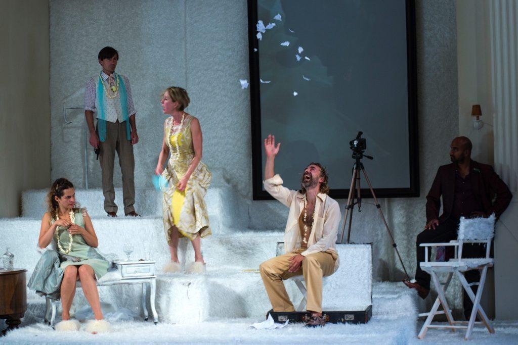 Salon5 - Der Idiot - Ensemble (c) Andrea Klem